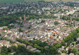Luftbild von Erftstadt Lechenich. Im Rahmen des Masterplans Lechenich wird dort eine Online-Befragung in Zusammenarbeit mit der wer denkt was GmbH durchgeführt.